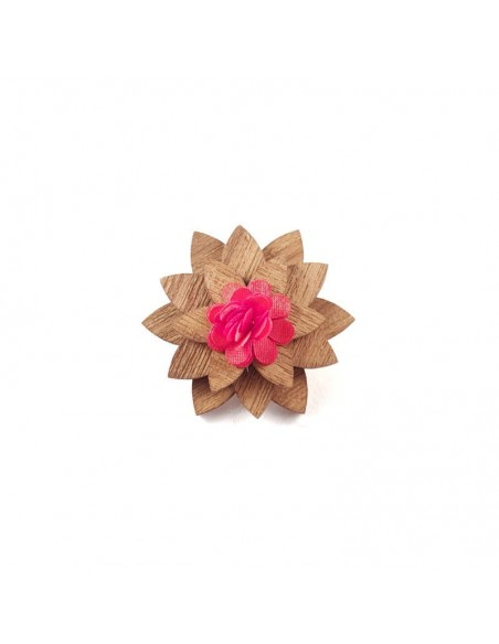 boutonniere-lotus-rouge